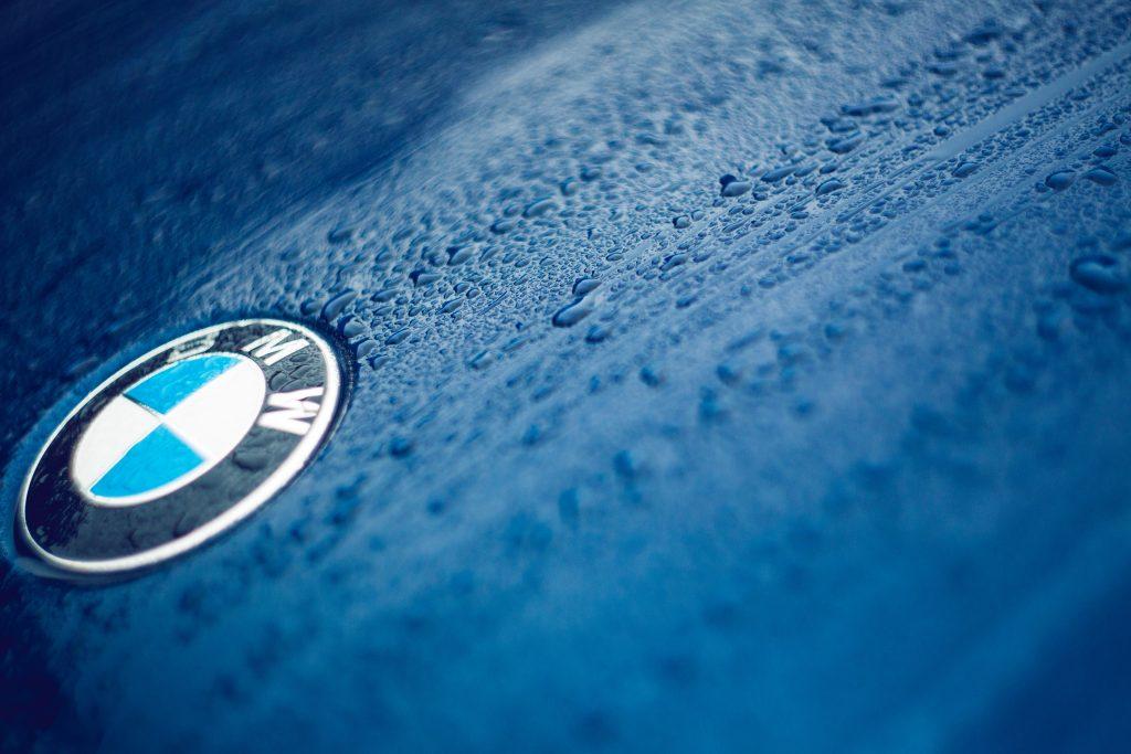 Blue BMW service at Volks Affair